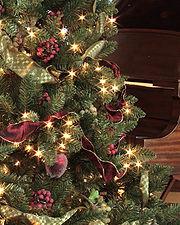 180px-Balsam-Hill-artificial-Christmas-tree